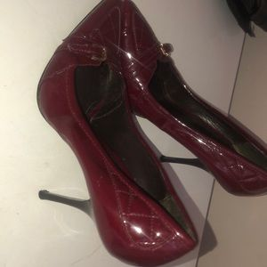 Size 40 1/2 Burberry heel shoes